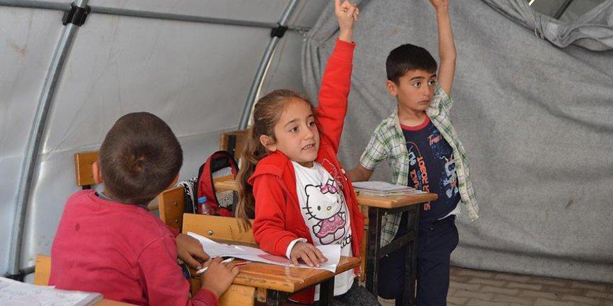Depremzede çocuklar artık çadırda eğitim görmeyecek