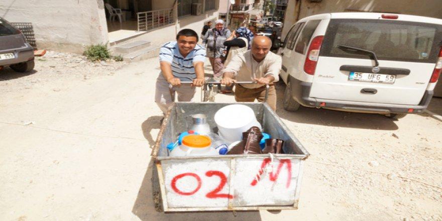 İzmir'de su kesintisine tepki