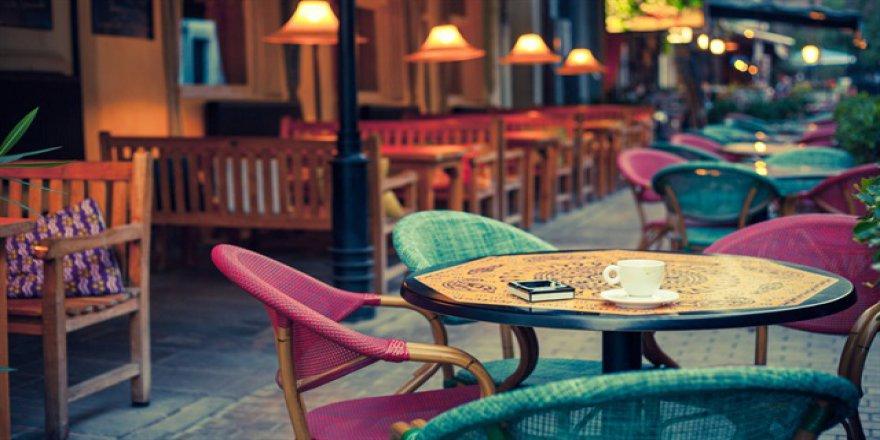 Kafe ve restoranlarda çalan müziklere telif hakkı yolda