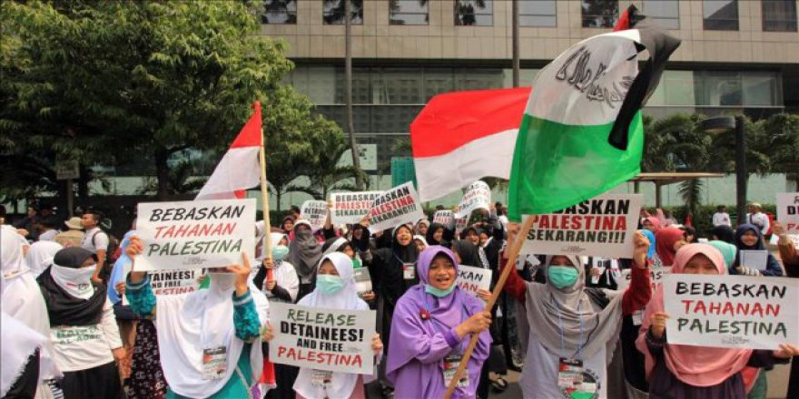 Endonezya'da İsrail karşıtı protesto