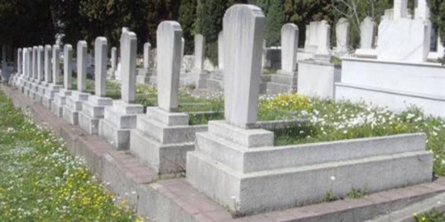 Yunan milletvekilleri Müslüman mezarlığı istedi
