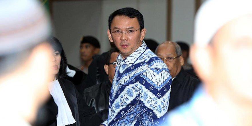 Endonezya'da 'İslama hakaret eden vali' istifa etti