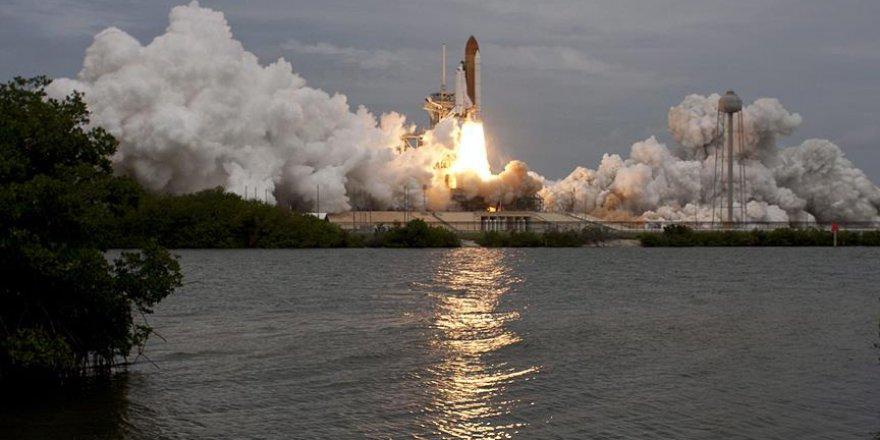 Dünya'da ilk kez özel şirkete ait platformdan uzaya mekiği fırlatıldı