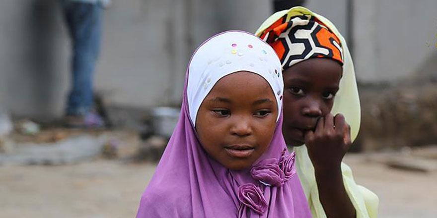 25 milyonluk Mozambik'te 2 milyon 100 bin yetim var
