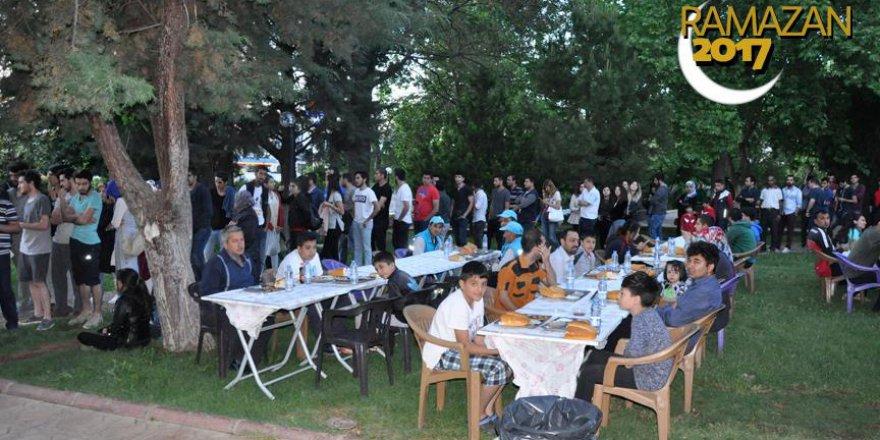 Gaziantep'te 6 bin kişilik iftar çadırı kuruldu