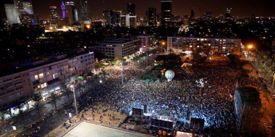 Bazı İsrailliler, Filistinliler için sokağa döküldü