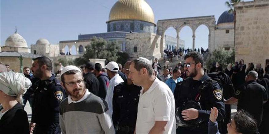 İsrail'in Mescid-i Aksa'ya Baskınları Ramazan'da da Sürüyor