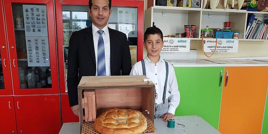 Ortaokul öğrencisinden ekmek israfını önleyecek proje