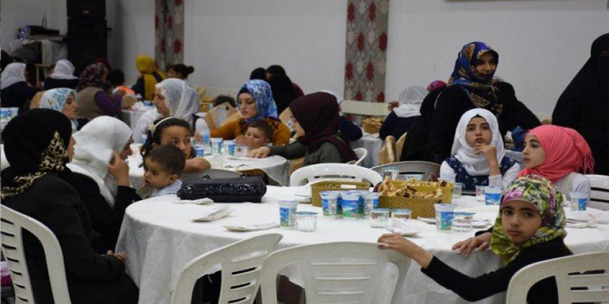 Batman'da 500 yetim çocuk için iftar sofrası kuruldu
