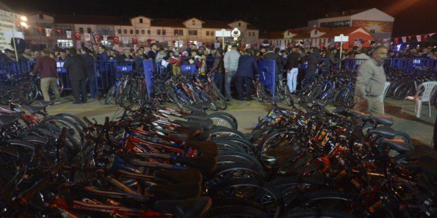 Gümüşhane'de 743 öğrenciye bisiklet dağıtıldı