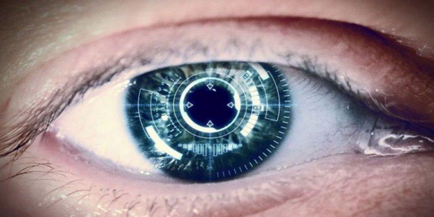 'Kovid-19 riskini azaltmak için lens yerine gözlük kullanın'