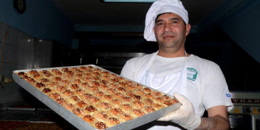 Ramazan tatlıcıların yüzünü güldürdü
