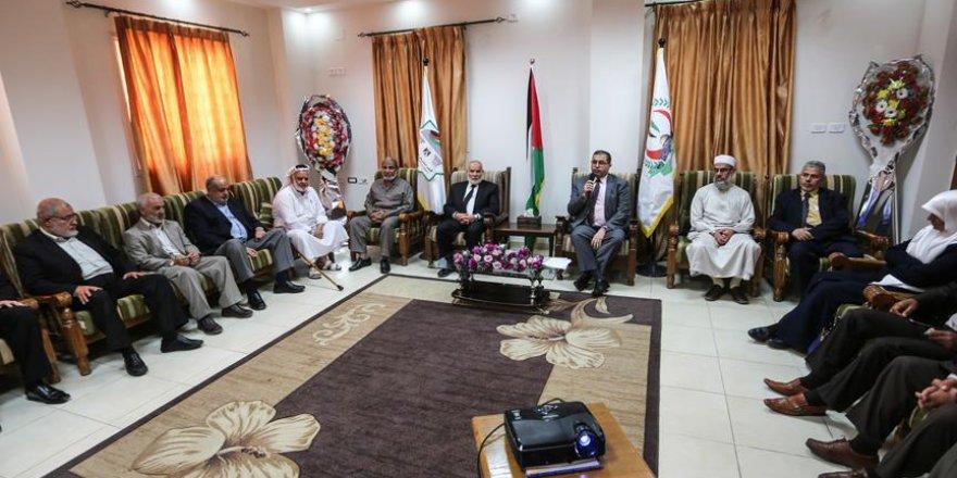 Hamas milletvekilleri maaşlarını hastalara bağışladı