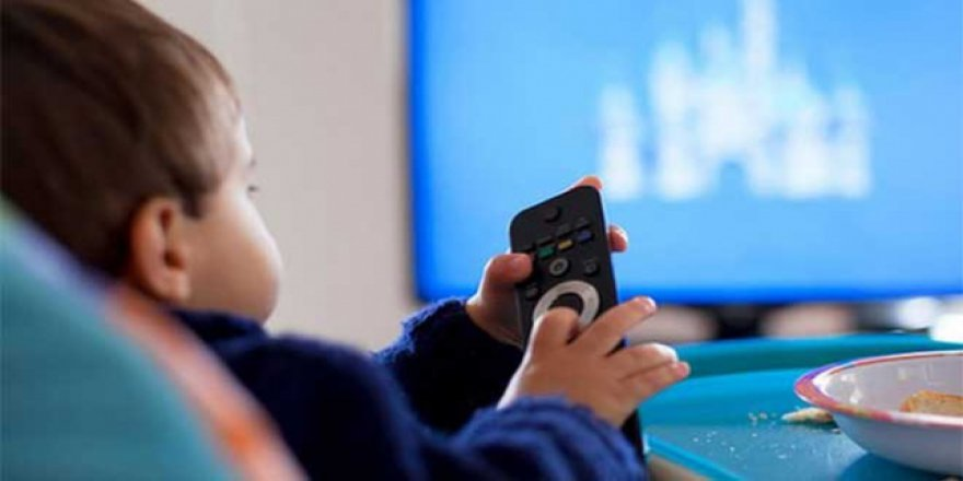 Çocuk odalarındaki televizyon obezite riskini artırıyor