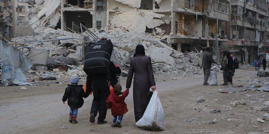 'Esed rejimi muhalif bölgelerde demografik değişiklik amacıyla sürgün yapıyor'