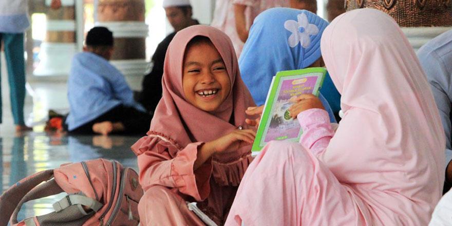 Çocuklar da Kur'an ciltleri de cıvıl cıvıl, renganrenk