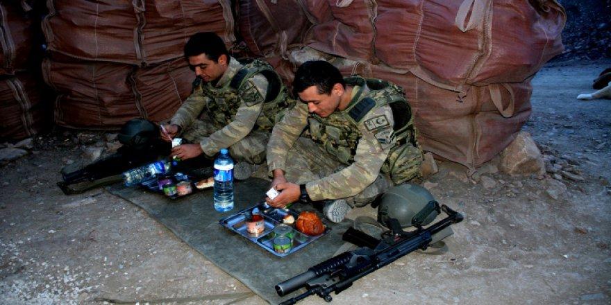 Mehmetçik'in mevzide zorlu ramazan nöbeti