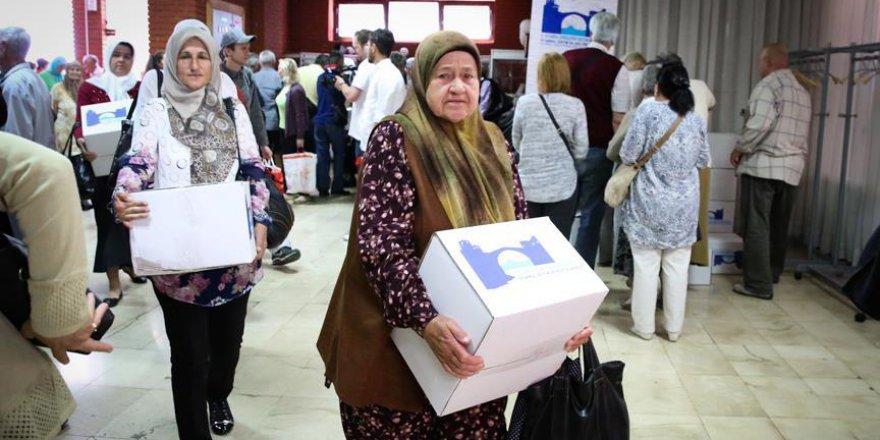 İHH'dan Bosnalı şehit ailelerine ramazan yardımı