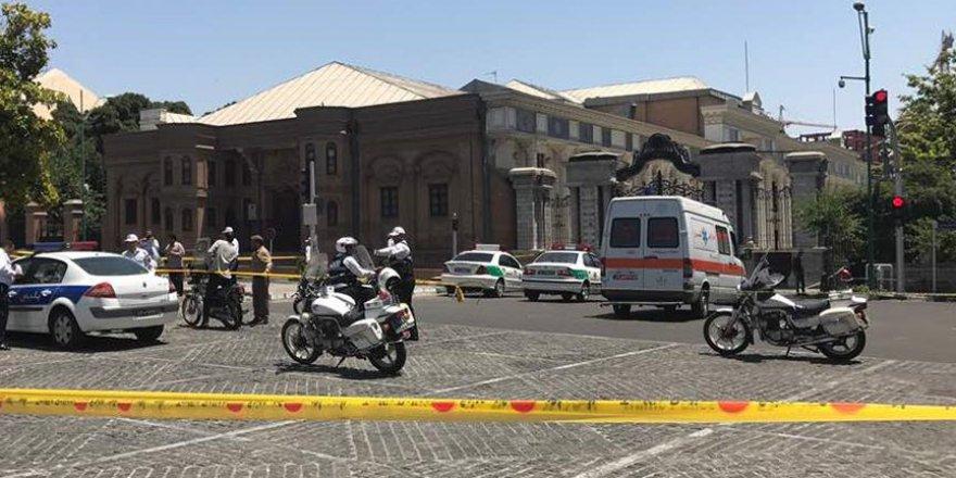 İran Meclisi ve Humeyni Türbesi'nde saldırı