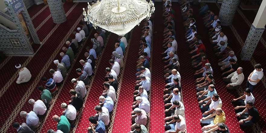 Terörün vurduğu camiler ibadete açıldı