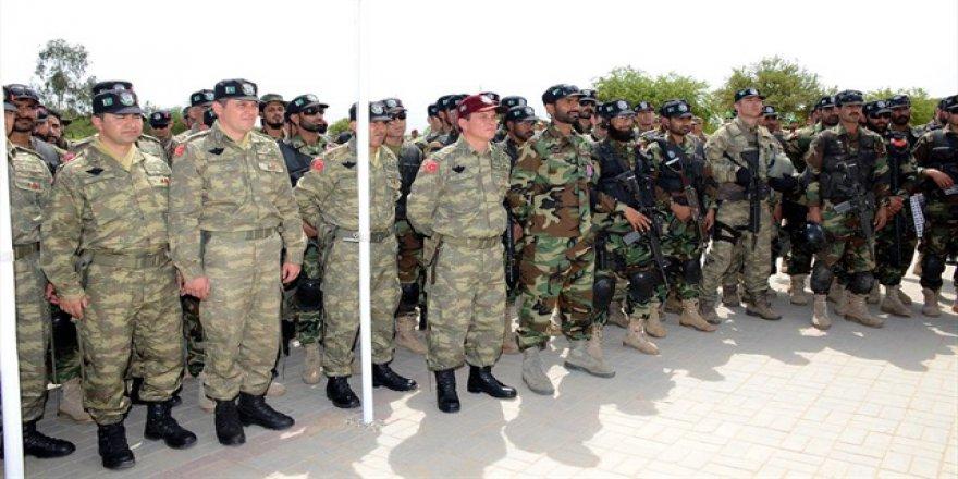 Pakistan Katar'a asker gönderiyor
