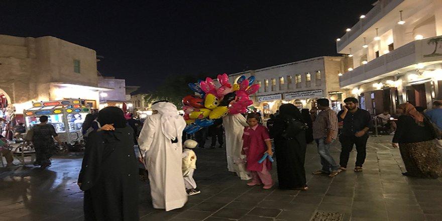 Katar sokaklarında ramazan tüm canlılığıyla devam ediyor