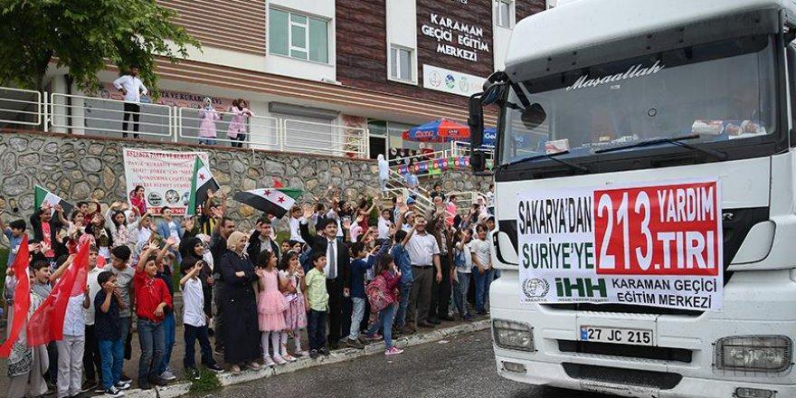 Suriyeli öğrencilerden ülkelerine insani yardım