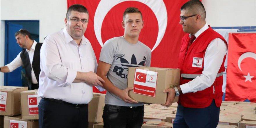Kızılaydan Arnavutluk'taki yetim ailelere yardım