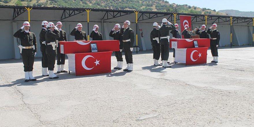 Şırnak'ta şehit askerler için tören