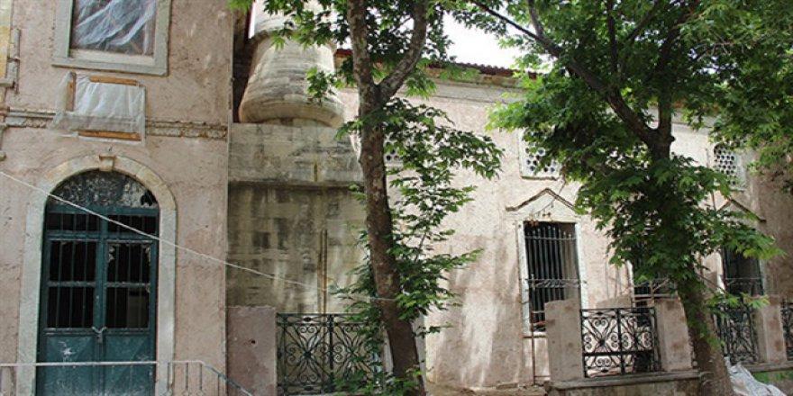 Fatih'in camisi 552 yıl sonra ezansız kaldı