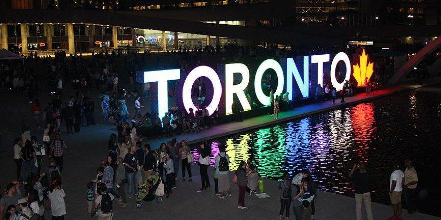 Kanadalılar Müslümanlarla toplu iftarda buluştu