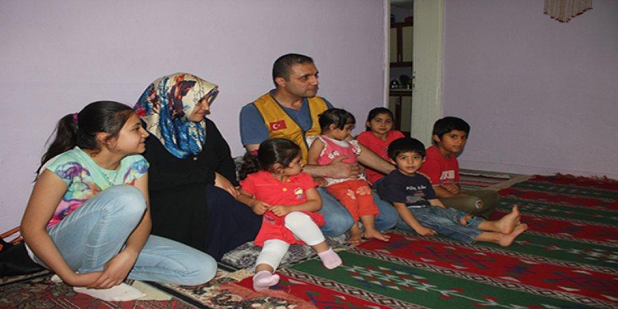 Suriyeli yetimlerle aynı sofrada buluştular