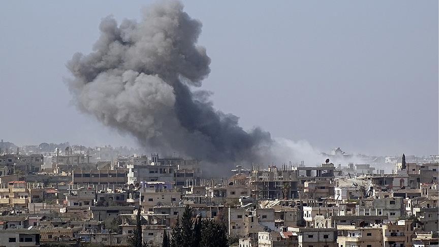Esed rejimi Dera'yı napalm ile vuruyor