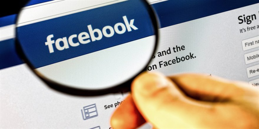 Edward Snowden: Facebook'un sizi nasıl izlediklerinizi açıklayacağım