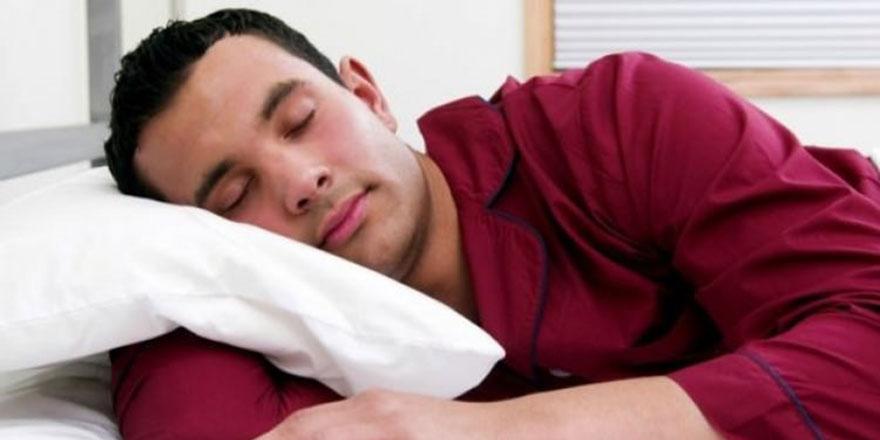 Hafta sonu çok uyumak, uykusuz kalmaktan daha zararlı