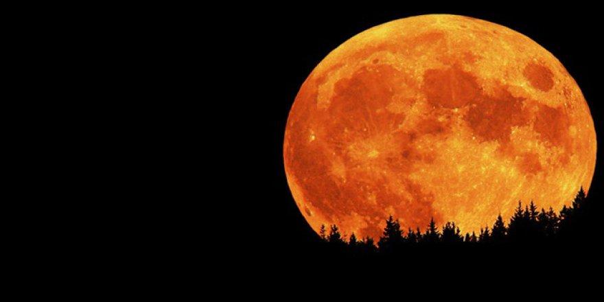 Tam Ay tutulmasına günler kalırken 'kanlı ay uydurmadır' açıklaması