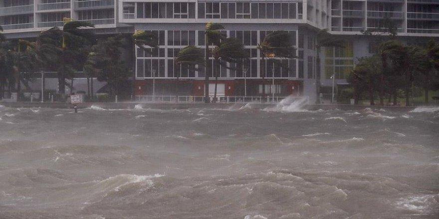 Irma kasırgasının ardından 180 bin kişi barınaklarda kalıyor