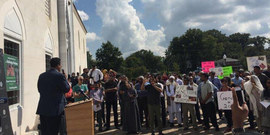 Amerika Diyanet Merkezinde Arakan'a destek gösterisi