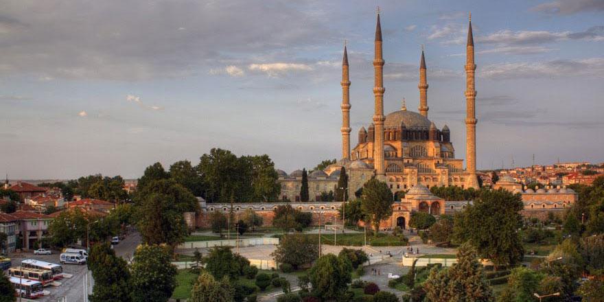 'Hazan' rengine bürünen Edirne ziyaretçilerini etkiliyor