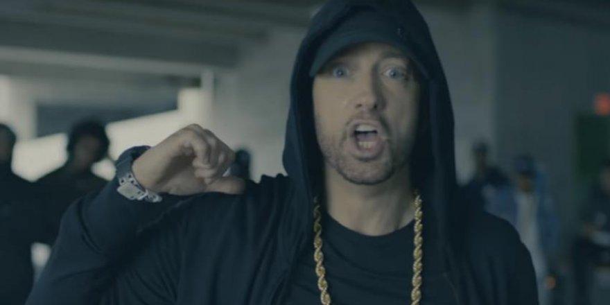 Ünlü Hip-Hop şarkıcısı Eminem Trump'a karşı Müslümanları savundu