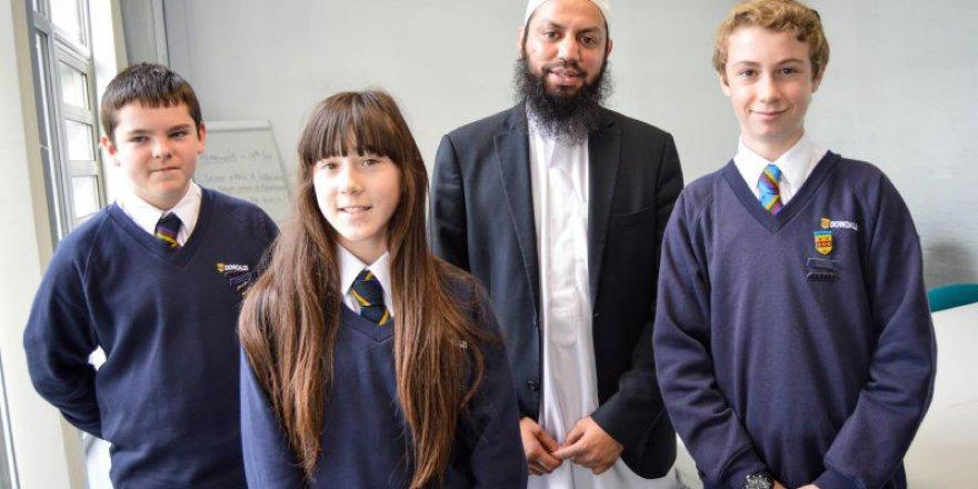 Müslüman eğitimci ile buluştular İslam'a bakışları değişti