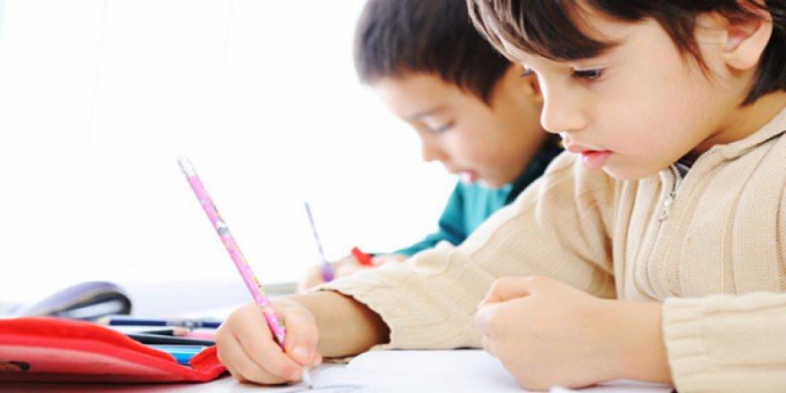 """""""Okul hayatı, dikkat eksikliği-hiperaktivite bozukluğunun tanınmasına yardımcı oluyor"""""""