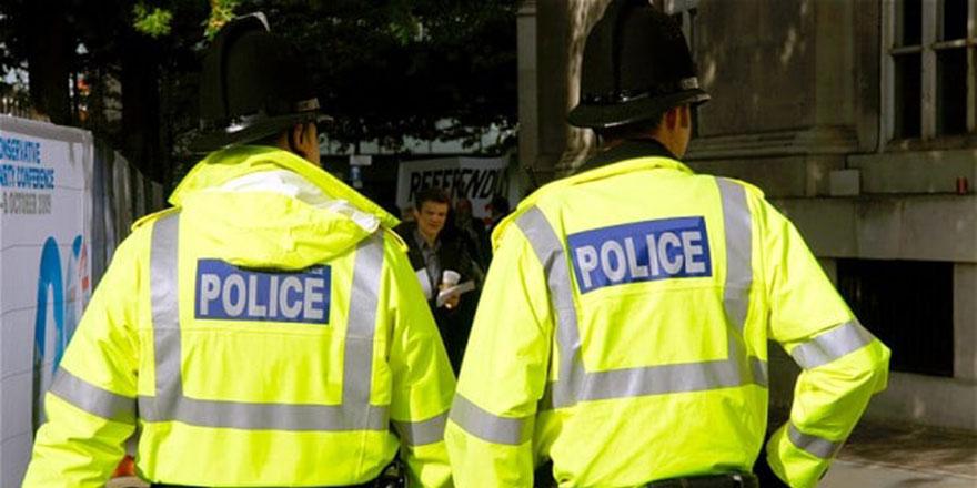 Azınlıkların yüzde 69'una göre İngiltere'de 'ırkçılık' var