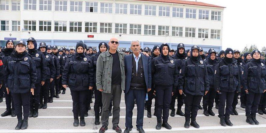 Fethi Sekin'in babası polis adaylarıyla bir araya geldi