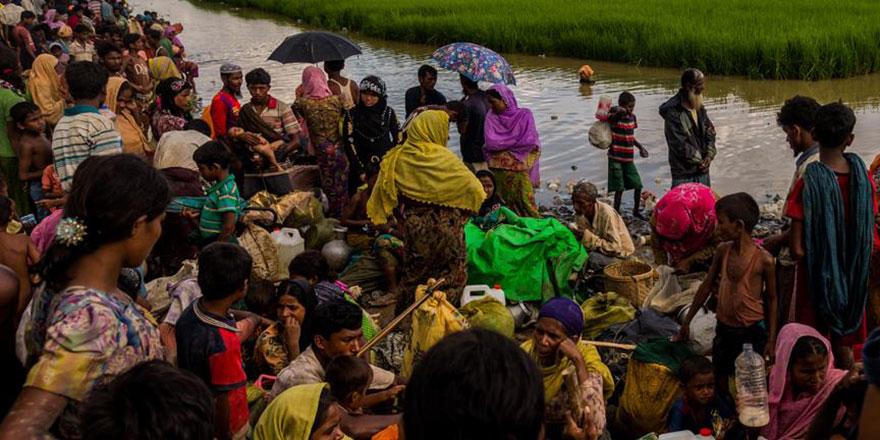 Bangladeş'e gelen Arakanlı sayısı bir milyon oldu