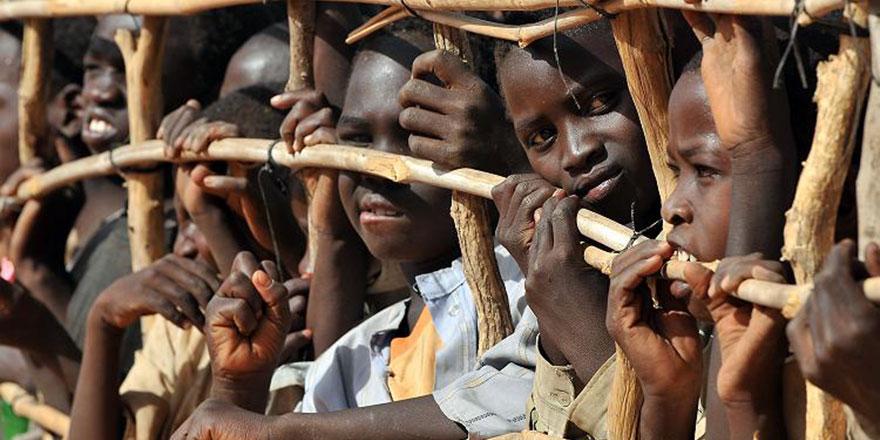 Cehalet, yoksulluk ve ihtilaf Afrika'nın ilerlemesini engelliyor