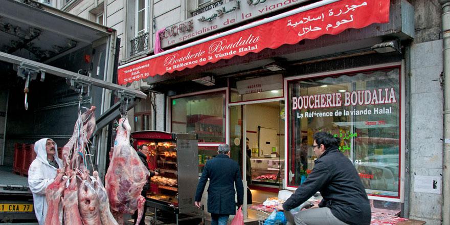 İçki ve domuz eti satmayan helal marketi kapattılar