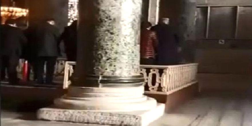 Ayasofya'da ezan okuyup namaz kıldılar
