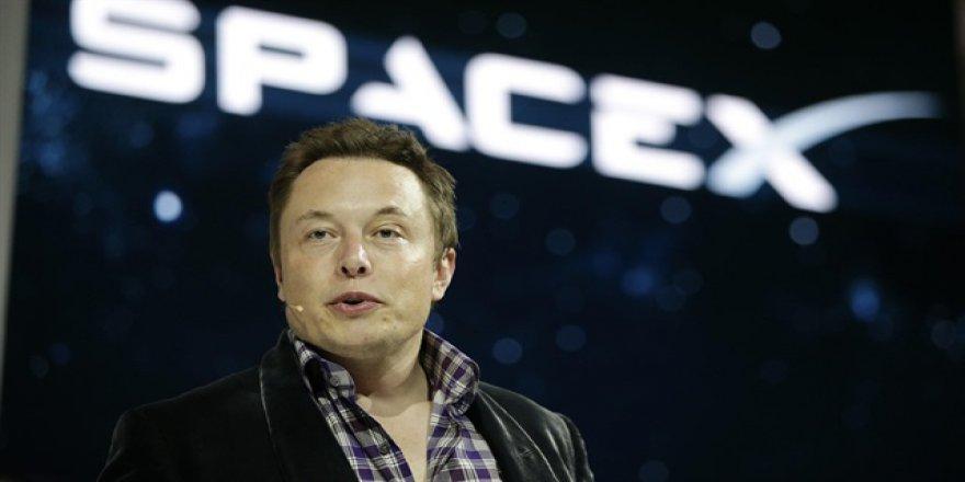Elon Musk görevi bıraktı