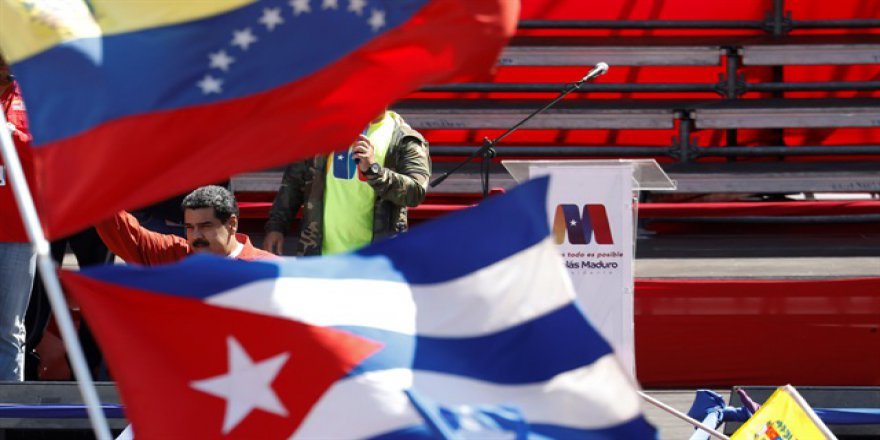 """Maduro ilan etti: """"Darbe girişimi başarısız"""""""